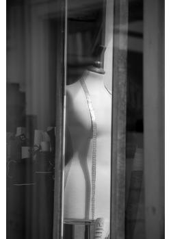 Lady behind the show window - Dáma za výlohou